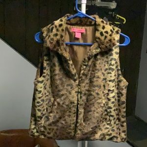 Faux fur animal print vest cheetah print